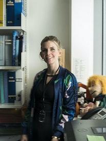 Musikkterapeut Monika Overå smiler til kamera