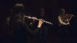 Fløytist spiller i Levinsalen