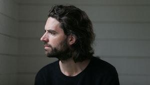 Portrettbilde av Gjermund Larsen i profil