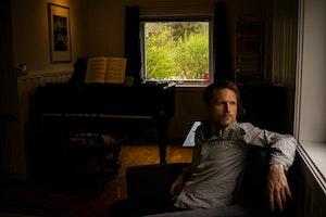 Kristian Lindberg i sin egen stue