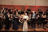 Margrete Fredheim synger med orkester