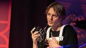 Ola Øverby snakker på Dølajazz