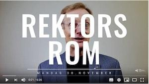 """Peter Tornquist foran grå vegg snakker til kamera bak overskriften """"Rektors rom mandag 30. nobember"""""""