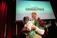 Tora Gaden mottar pris på Forsker Grand Prix