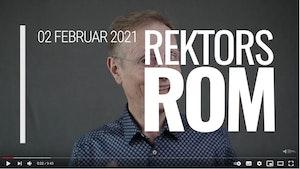 """Skjermbilde av starten på youtube-videoen. Peter Tornquist delvis skjult bak bokstaver der det står """"02 februar 2021 Rektors rom"""""""