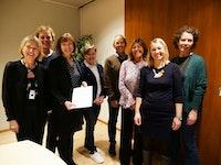 Åtte samarbeidspartnere fra høgskoler og universiter stiller opp med underskrevet dokument.