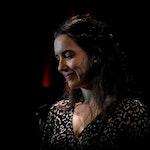 Bethany Forseth Reichberg synger med Tiur på RÅ