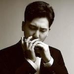 Yoonseok Lee spiller munnspill
