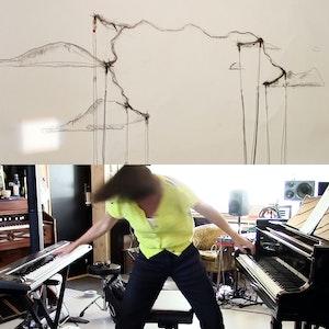 Ellen Ugelvik spiller på to klaver samtidig og en tegning i andre del av kollasjen