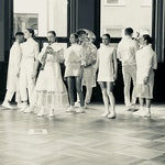 Gruppebilde av Intuitive People-ensemblet på scenen
