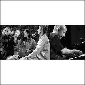 Gruppebilde av Små Grå i kollaj med Jon Balke