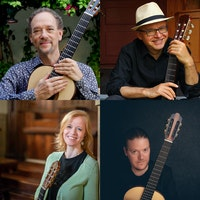 William Kanengiser, Andrzej Wilkus, Eva Beneke og Otto Tolonen står i hver sin rute med hver sin gitar.